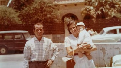 La primera foto en color de la familia Ordóñez-Fenollar