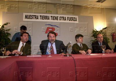 «Nuestra tierra tiene otra fuerza», el lema optimista ante las autonómicas