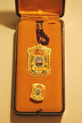 Medalla de Oro de San Sebastián, concedida a título póstumo
