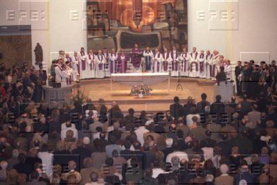 Una misa multitudinaria