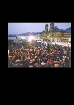 Concentración multitudinaria en el Ayuntamiento para condenar el asesinato de Ordóñez